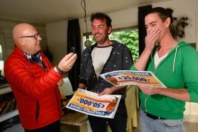 Chiel en Maikel winnen 75.000 euro en BMW, vlak voor hun bruiloft