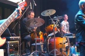 Na half jaar treedt Boekelse band Off Limits eindelijk op: 'De adrenaline stroomt weer de aderen''